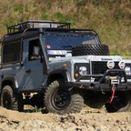 Defender D90 auf Axial SCX 10 Chassis