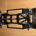 Eigenbau-Chassis für den Defender D110 Crew Cab nach der Montage der Achsen und der vorderen Radhausschalen