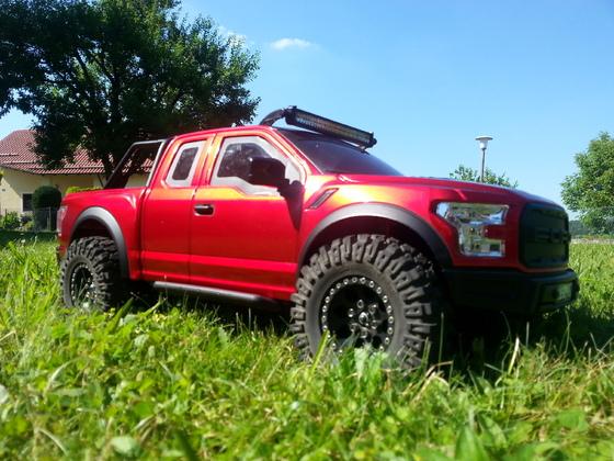 Mein Ford Raptor 2017 auf Axial SCX10