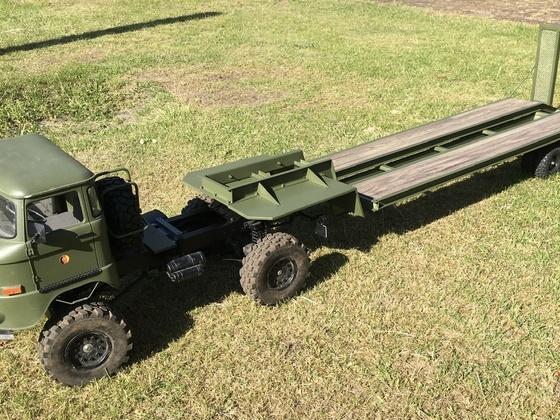 IFA W50 mit Tieflader in 1:8 (195cm)