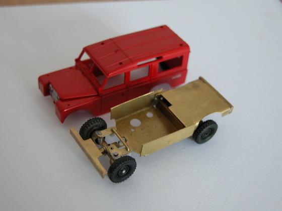 Land Rover 109, Karosserie und Chassis