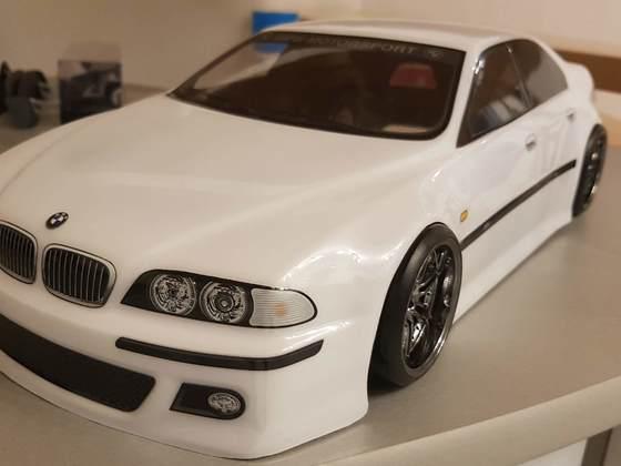 BMW M5 by Scale-Rocker-Customs