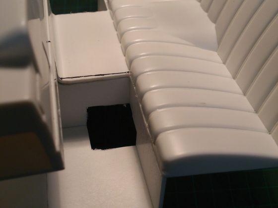 Für den Motor eine kleine Aussparung(bei Verwendung des Scx10 Getriebe)