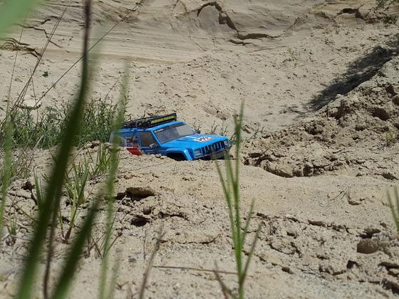 Axial SCX10 2 Jeep Cherokee Rally Raid