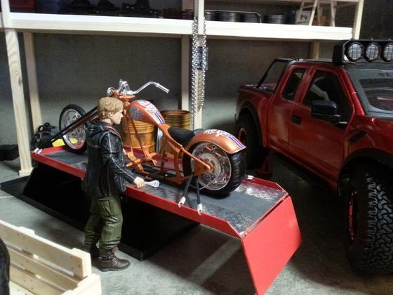 Motorradhebebühne für die Hard Rock Garage