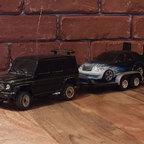 Kyosho Mini-Z Overland Mercedes G55 mit Trailer und gebrushter Mini-Z Karo Chrysler PT Cruiser