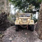 Mit neuen Reifen  / Tommys REO M35 Bobbed / deuce and a half / CrossRC HC-4