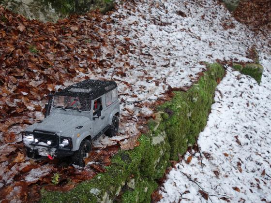 RCMODELex Land Rover D90 mit ElectriFly Getriebe, 2 Unterboden-Akkuschächte, mitlenkendem Fahrer uvm