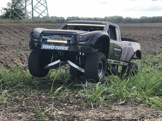 Traxxas UDR Umbau zum BJ Baldwin Truck