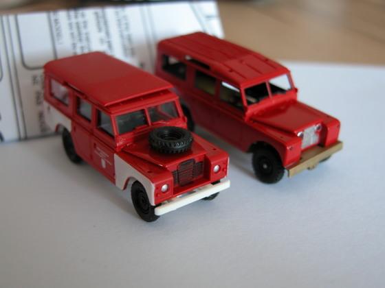 Land Rover 109 und Ersatzteilträger