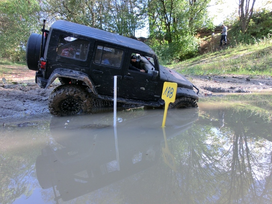 Jeep JK 4 door: 200 Tore Challenge in Asbach