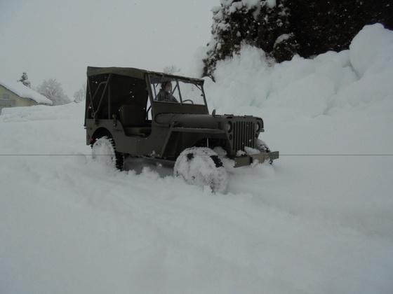 Mein Roc Hobby Willys I im Schnee ...