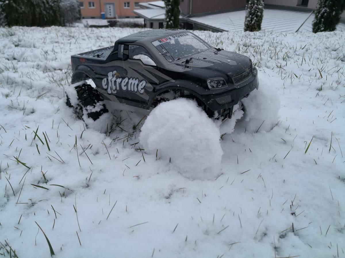 ECX Barrage Schnee